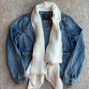 Abercrombie & Fitch Denim Jacket Medium. So cute!!